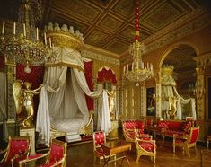 Room of the Day ~ another view of this red, cream and gold French bedroom of Marie wife of Napoleon at Chateau de Compiegne French Interior, Classic Interior, Versailles, Fancy Bed, La Malmaison, Royal Bedroom, Master Bedroom, Interior And Exterior, Interior Design