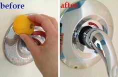 Verwijder kalk vlekken met een citroen.    Snij een citroen in tweeën en wrijf het over de hard water vlekken en spoel het daarna schoon met water.