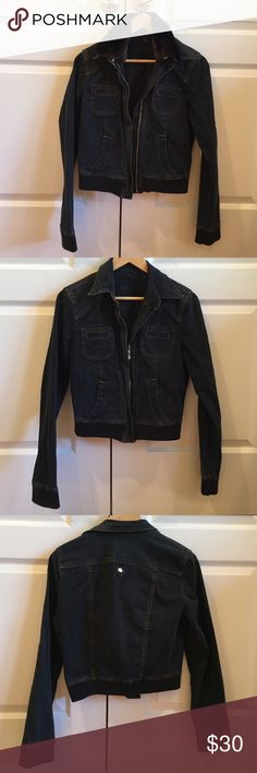 Sanctuary Jean Jacket with Detachable Faux Fur Sanctuary Jeans jacket with detachable fur collar. Zipper close. Gently worn. Size S. Open to offers! Sanctuary Jackets & Coats Jean Jackets