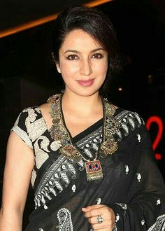 Acting is all about honesty and I've learnt to fake that perfectly, says Tisca Chopra! Trendy Sarees, Stylish Sarees, Fancy Sarees, Tribal Fashion, Indian Fashion, Indiana, Indian Beauty Saree, Indian Sarees, Bollywood Fashion