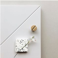 Terazzo, brass and white as a timeless combination for your interior Mdf Cabinets, Blue Cabinets, Brass Handles, Warm Grey, Cabinet Furniture, Home Deco, Industrial Design, Geometry, Sustainability