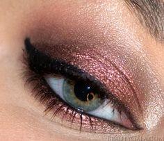 Metallic eye ~ looks like MAC shadow in cranberry