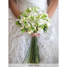 Bridal bouquet, wedding bouquet, white wedding bouquet, Fernando Hijo, floristas de boda, Silvia Ferrer, ramo de novia blanco, boda de primavera.