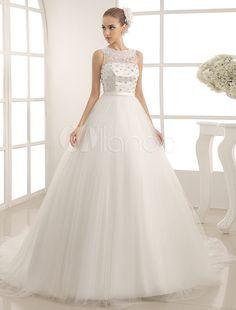 4492bf4b2e89 Jewel Neck Tulle Wedding Dress With Pearls Detailing Princeznovské Svadobné  Šaty