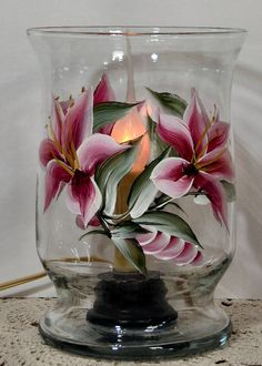 Hand Painted Lilly Hurricane Vase Light on Etsy, Painted Glass Vases, Painted Wine Bottles, Painted Pots, China Painting, Tole Painting, Pebeo Porcelaine 150, Hurricane Vase, Glass Painting Designs, Vase With Lights
