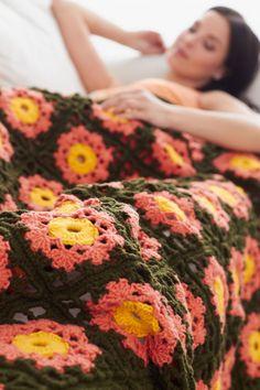 Garden Flowers Throw: free pattern