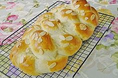 Hefezopf wie beim Bäcker, ein sehr schönes Rezept aus der Kategorie Kuchen. Bewertungen: 538. Durchschnitt: Ø 4,7.