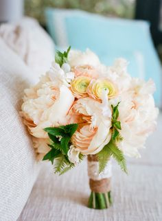 peach peony bouquet | Alice Keeney #wedding