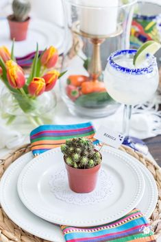 Mini cactus place setting centerpiece for Cinco de Mayo dinner party Mexican Fiesta Party Ideas (& the Best Authentic Guacamole Recipe) Mexican Fiesta Decorations, Dinner Party Decorations, Dinner Party Table, Dinner Themes, Wedding Dinner, Party Themes, Party Ideas, Wedding Decor, Wedding Ideas