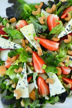 Are you looking for a tasty and delicious potato salad recipe? There are tons of salad recipes avail Low Fat Salad Dressing, Vinegar Salad Dressing, Salad Dressing Recipes, Great Salad Recipes, Healthy Recipes, Healthy Food, Greek Style Potatoes, French Salad Dressings, Party Food Buffet