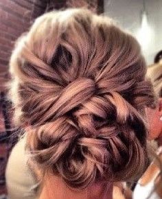 See more about wedding day hair, prom hair and bridesmaid hair. Fancy Hairstyles, Wedding Hairstyles, Wedding Updo, Bridal Updo, Quinceanera Hairstyles, Hairstyles 2016, Beautiful Hairstyles, Wedding Hair And Makeup, Wedding Beauty