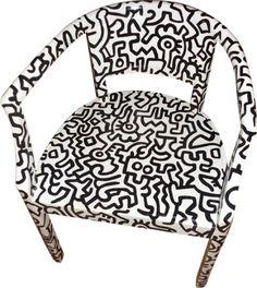 sedia dipinta Haring 3