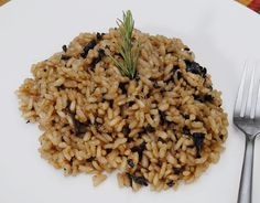By Katherine When Greg talks about how easy it is to make risotto, I nod wholeheartedly in agreement gulping wine and watching him stir. I do love to watch him stir. Wait where was I? Oh yes, the s...