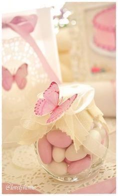 Butterfly baby shower favour - {Butterflies and sweet bon bon, or Jordan Almonds}