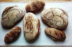 Domácí kváskový chléb - Kočičí trio Homemade sourdoghbread - Cats Bread Art, Food, Meal, Essen, Hoods, Meals, Eten