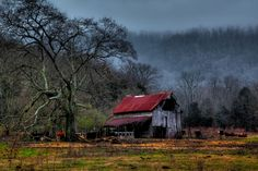Barn Tennessee State Road 2 by Keith Mitchell on 500px