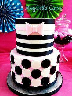 Clean & Simple Cake Design, A Craftsy Online Cake Decorating Class Pretty Cakes, Beautiful Cakes, Amazing Cakes, Cupcakes, Cupcake Cakes, Cupcake Ideas, Pear And Almond Cake, Almond Cakes, Girly Cakes