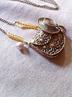 Pollyanna Inspired Purse and Bonnet Locket by wickedkarmajewelry, $26.00