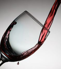 How to get rid of wine stains? Find out how to remove red wine stains from carpet Cabernet Sauvignon, Malbec, Drink Wine Day, Wine Drinks, Cockroach Repellent, Alcohol Calculator, Bacon Wrapped Meatloaf, Wine Club Membership, Wine Lovers