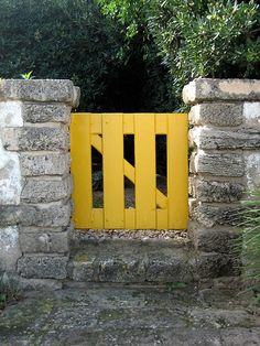 little side gate for east sidhttp://pinterest.com/source/remodelista.com/#e of house....