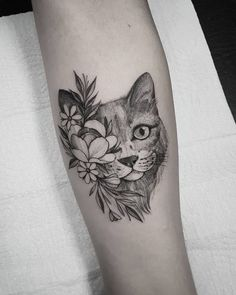 Find the tattoo artists and the perfect inspiration to your tattoo. - – This date created in 2002 at the initiative of the International Fund for Anim - Bild Tattoos, Love Tattoos, Sexy Tattoos, Small Tattoos, Body Art Tattoos, Gorgeous Tattoos, Tatoos, Black Cat Tattoos, Animal Tattoos