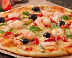 Pizza with peppers and shrimps: www.fourchette-and . Perfect Pizza, Good Pizza, Pizza Buns, Pizza Pizza, Pizza Recipes, Healthy Recipes, Best Homemade Pizza, Tortilla Pizza, How To Make Pizza