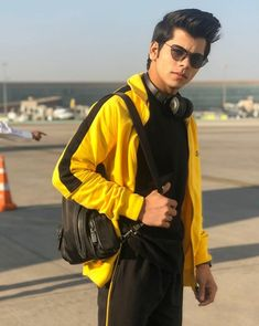 Follow me $adaf naaz Child Actors, Tv Actors, Boy Fashion, Mens Fashion, Fashion Outfits, Teen Celebrities, Celebs, Saree Photoshoot, Bollywood Actors