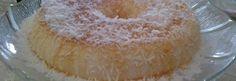 Pudim de maria mole:Bater no liquidificador o creme de leite e o leite condensadoDissolver o pó da maria mole em um copo de água ferventeAcrescentar todos os ingredientes no liquidificador e bater por mais 5 minutosDespejar em uma forma de pudim ou um refratário Levar para gelar por 3 horas  Ingredientes 1 lata creme de leite 1 lata de leite moça /caixa maria mole de coco.