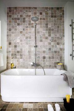 Tulikivi marble tiles. Vaalea kylpyhuone | Kotivinkki