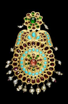 Persian Qajar gem-set gold pendant, 19th century. 3'500£ ~ sold (Oct '14)