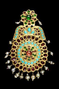 Persian Qajar gem-set gold pendant, 19th century. 3'500£ ~ sold (Oct '14)