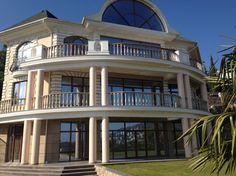 Продажа дома, 3этажа, 720кв.м, люкс, участок 20соток, Ялта