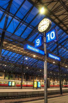 Helsinki Central Railway Station platform.