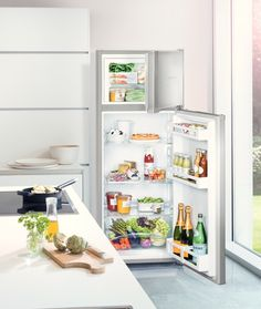 CTel 2531 fridge-freezer with freezer above and SmartFrost Extra Storage Space, Wine Storage, Storage Shelves, Storage Spaces, Freestanding Fridge, Vegetable Bin, Chest Freezer, Bottle Rack, Energy Consumption