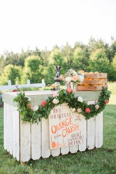 Wedding bar: http://www.stylemepretty.com/2015/04/21/rustic-chic-farmhouse-wedding/ | Photography: Katelyn James - http://katelynjames.com/