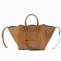 Celine Boston Bags Croco Leather Brown CELINE bag would be to produce, via all of the match to make use of the actual females, various choices, numerous vogues as well as a myriad of grow older.Therefore all of the groups through really the actual females. $318.76