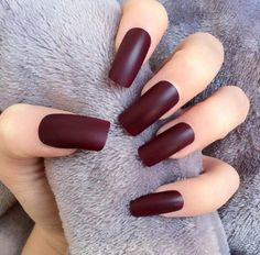 22 + 2019 year updated trent nail designs, 22 + 2019 year updated trent nail designs - 1 In the modern year, young people and ladies want to use the perfect manicure style to enhance the beauty. Matte Maroon Nails, Matte Nails, Acrylic Nails, Burgundy Nails, Acrylics, Nail Color Trends, Nail Colors, Hair And Nails, My Nails