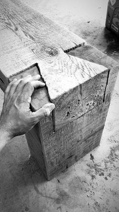 singular basics on simple Best Woodworking Furniture Apartment Therapy strategie. singular basics on simple Best Woodworking Furniture Apartment Therapy strategies Log Furniture, Woodworking Furniture, Woodworking Plans, Woodworking Projects, Woodworking Joints, Woodworking Techniques, Woodworking Shop, Luxury Furniture, Furniture Ideas