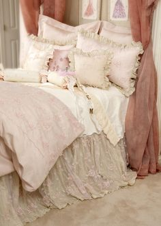 Ava Duvet Cover Set - love the lace bed skirt---perfect for dreaming!!