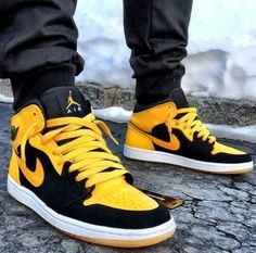 "Air Jordan 1 ""New Love"""
