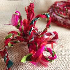 Issie ‏@IsWasCottage  Oct 3 Saint Dennis, England This is what it looks like as a bow #ecocreatehour #ecogiftwrap