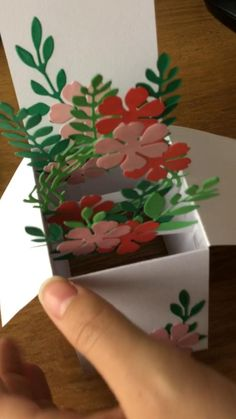 Pop Up Flower Cards, Pop Up Box Cards, Pop Up Flowers, Diy Crafts For Gifts, Diy Arts And Crafts, Paper Crafts, Handmade Birthday Cards, Diy Handmade Cards, Origami Cards