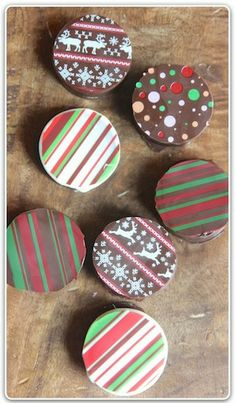 How to Make Fancy DippedChristmas Oreos for the Holidays!