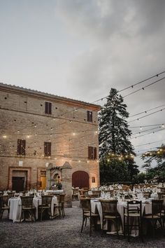 An amazing wedding in the heart of the Tuscan hills planned by VB Events Rustic Chic, Luxury Wedding, Event Planning, Wedding Events, Italy, Heart, Amazing, Italia, Hearts