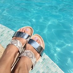 Pool vibes in Paz sandals #xxjessie