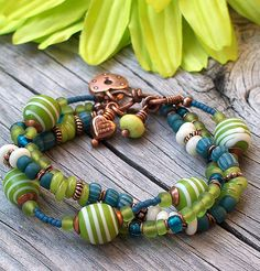 Blue Green Copper Bracelet - Good for me! Wire Jewelry, Boho Jewelry, Jewelry Crafts, Beaded Jewelry, Jewelery, Jewelry Bracelets, Jewelry Design, Fashion Jewelry, Bangles