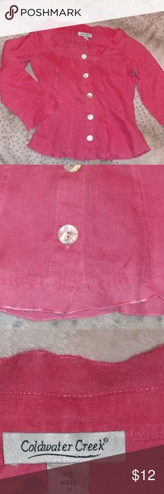 36ab89b44f 🌹Adorable pink top🌹 Super cute! Flaired on sleeves, bottom of blouse and