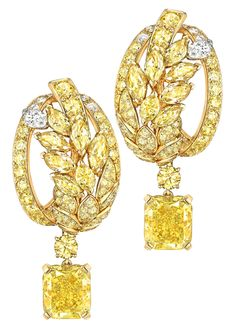 Fête des Moissons #Earrings from #LesBlesDeChanel - #Chanel - #FineJewelry collection in 18K yellow gold set with 2 #RadianCut fancy intense #YellowDiamonds (6.4 cts), 14 #FancyCut multicoloured #Diamonds (5.2 cts), 140 #BrilliantCut diamonds (4.7 cts), 14 #BrilliantCut diamonds and 2 #MarquiseCut diamonds - July 2016
