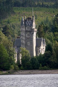 SCT05 3739 Ardverikie House, Loch Laggan, Inverness-shire | Flickr - Photo Sharing!