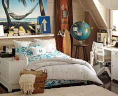 relaxed teenage girls bedrooms Traveling-funny-cozy-cool-blue Soooooooooooo perfect